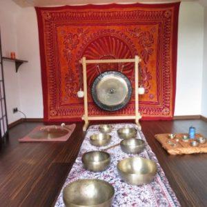 Misy i gongi w Domu pod Lipą