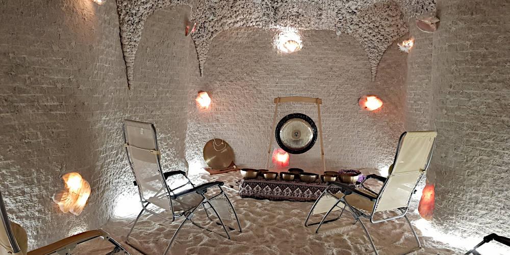 Koncerty relaksacyjne na misy i gongi w grocie solnej
